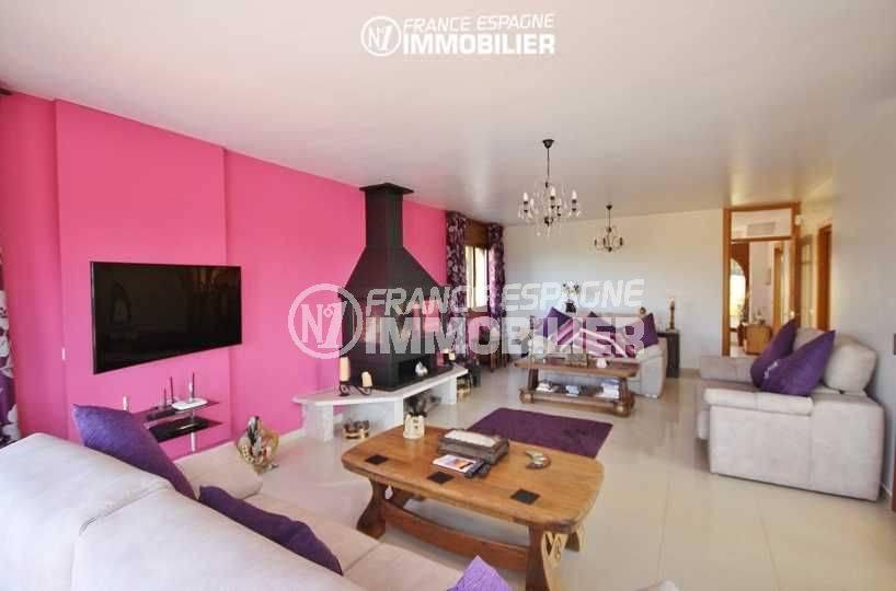 n1immobilier: villa ref.3472, salon / séjour avec une belle cheminée