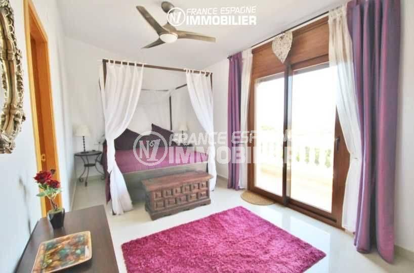 vente de maison costa brava, à pau, 3ème suite parentale lit double accès terrasse