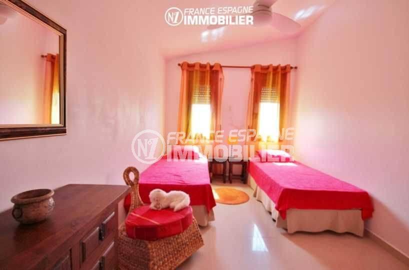 agence immobillière costa brava espagne: villa 516 m², chambre avec 2 lits simples