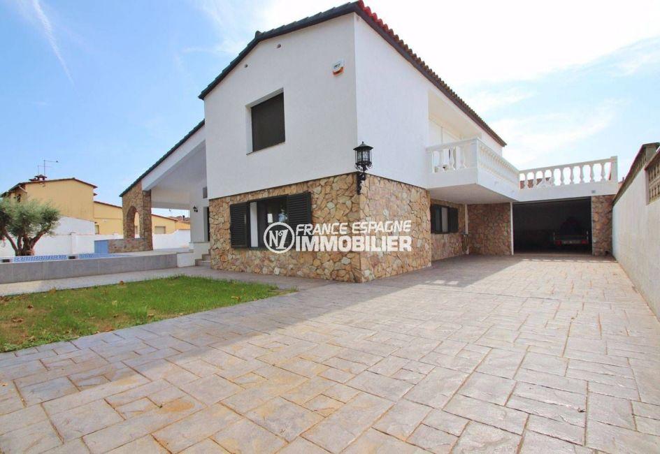 maison a vendre empuriabrava, piscine, contruction récente de 254 m² terrain de 838 m²