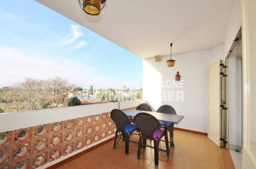 rosas immo: appartement ref.3598, aperçu terrasse petite vue mer