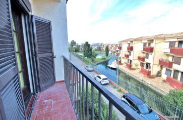 immo empuria, appartement  2 pièces 40 m² avec balcon vue marina dans petite résidence, parking commun