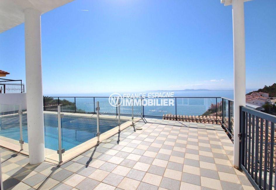 immobilier rosas: villa 230 m² sur une parcelle de 432 m², vue sur la mer