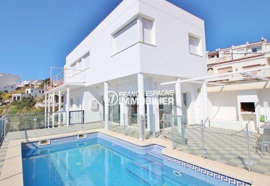 immo roses: villa 230 m², construction récente vue sur la mer