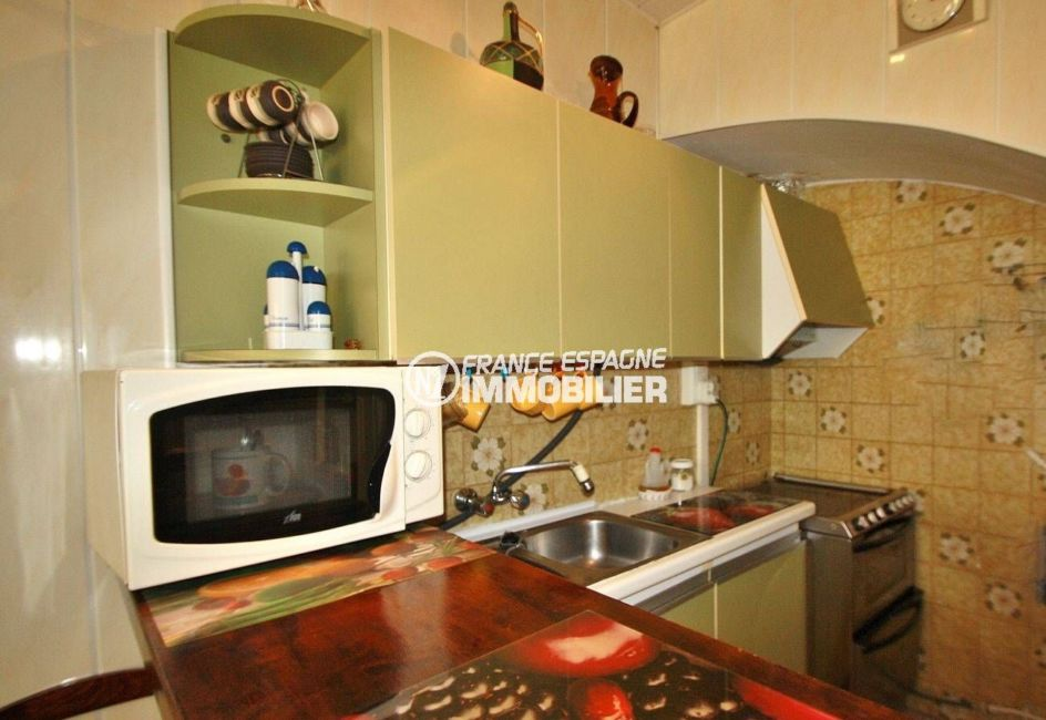 agence immobilière costa brava: villa 54 m², coin cuisine aménagée et équipée