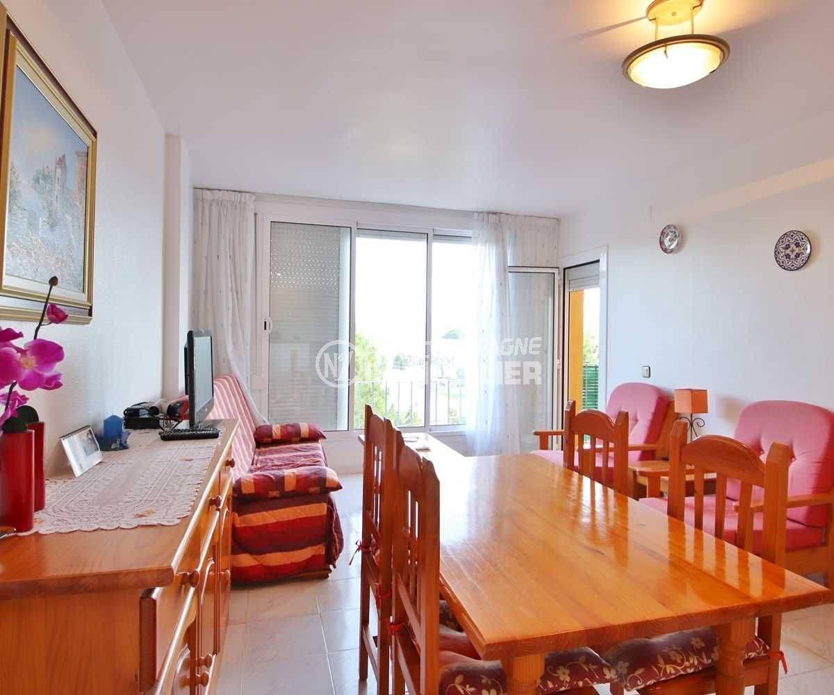 immobilier costa brava: appartement ref.3559, aperçu séjour / salle à manger