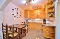 empuria immo: appartement 2 pièces 40 m², belle cuisine américaine aménagée