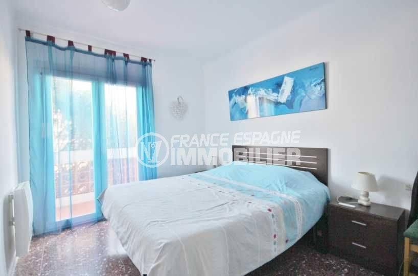 agence immobiliere rosas: appartement ref.3598, chambre 1 avec accès terrasse