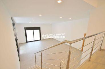 acheter a empuriabrava: villa 234 m², aperçu des escaliers vue sur le salon / séjour