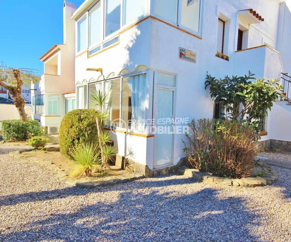 appartement a vendre a rosas: 42 m² rez-de-chaussée, piscine & tennis, parking