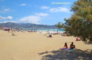 plage côté santa margarita, vue sur puig rom aux alentours