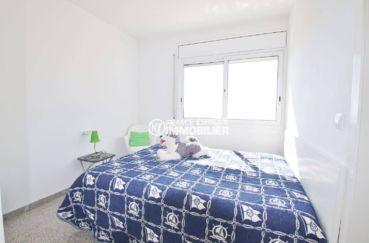 maison a vendre espagne, garage, deuxième chambre lumineuse avec lit double
