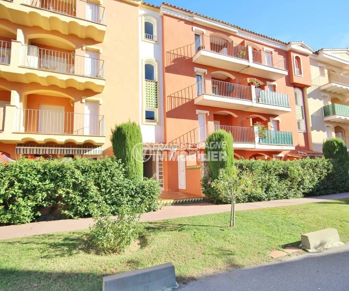 appartement costa brava, ref.3559, aperçu des terrasses de la résidence