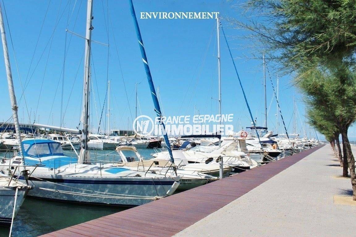appartements a vendre a rosas, ref.3598, vue sur le port aux environs