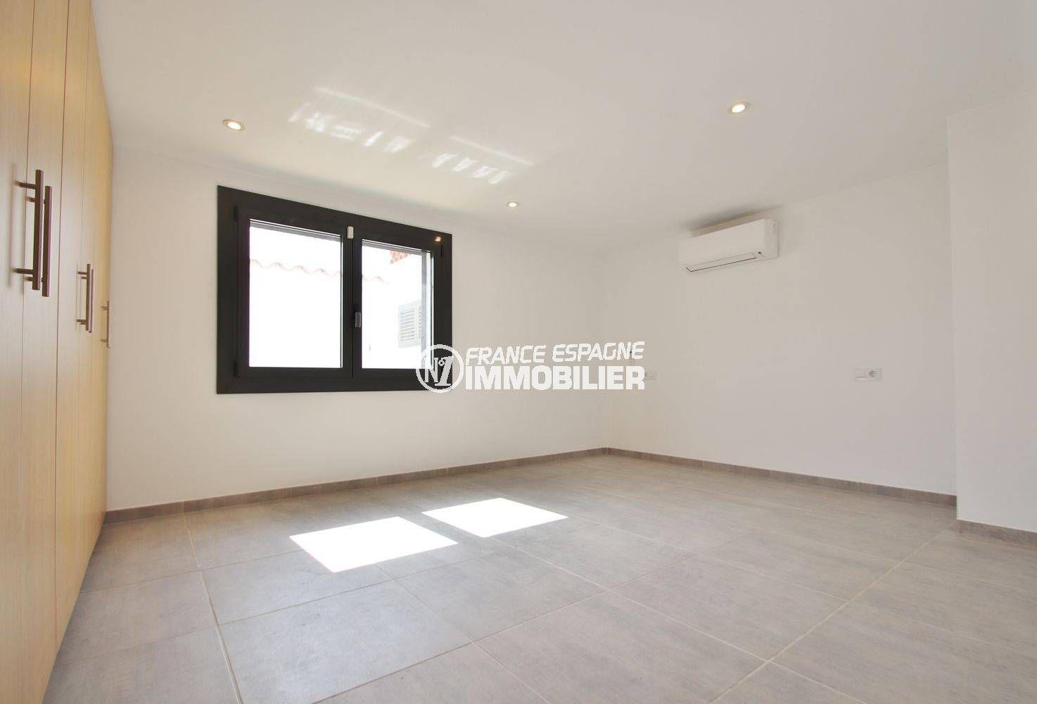 vente immobilier costa brava, villa 234 m², deuxième suite parentale avec placards