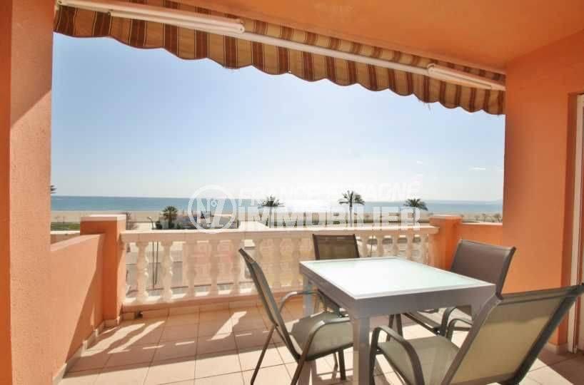 immobilier Empuriabrava, appartement atico au pied de plage, vue mer