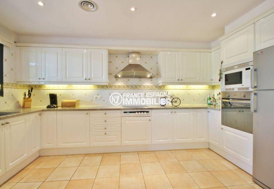 maison à vendre en espagne costa brava, ref.3621, cuisine indépendante