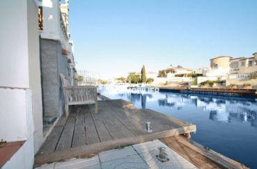 amarre empuriabrava: 4 x 3,5 m de la villa ref.3607, vue côté canal