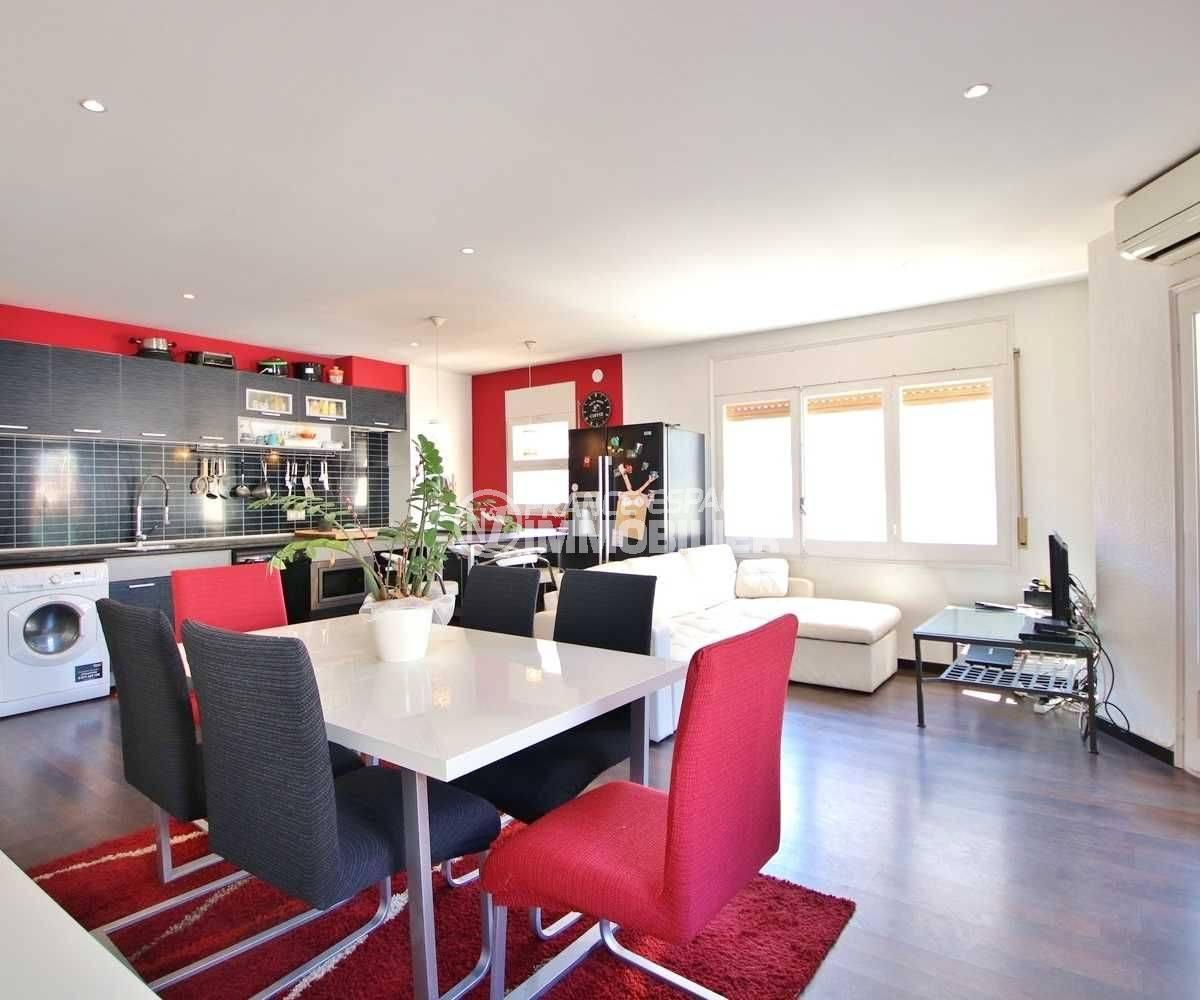 achat appartement Rosas : grand appartement moderne au centre ville, proche port et plage