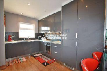 immobilier costa brava: villa ref.3607, coin cuisine américaine aménagée rénovée