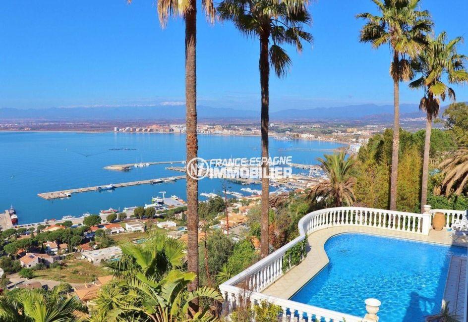 maison a vendrecosta brava, ref.3614, vue sur la piscine et la baie depuis la terrasse