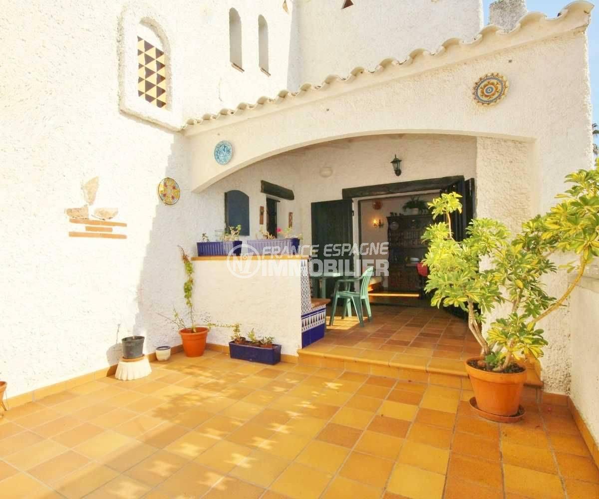immo costa brava: villa 84 m², grande terrasse, piscine & parking