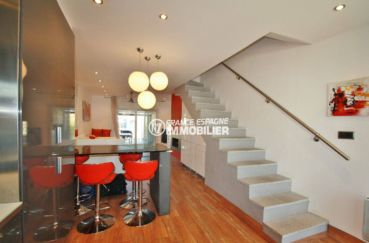 immo center: villa ref.3607, aperçu coin déjeuner et escalier vers le 1er étage