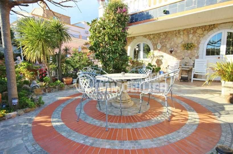 agence immobiliere roses espagne: villa ref.3616, vue sur la terrasse, espace détente