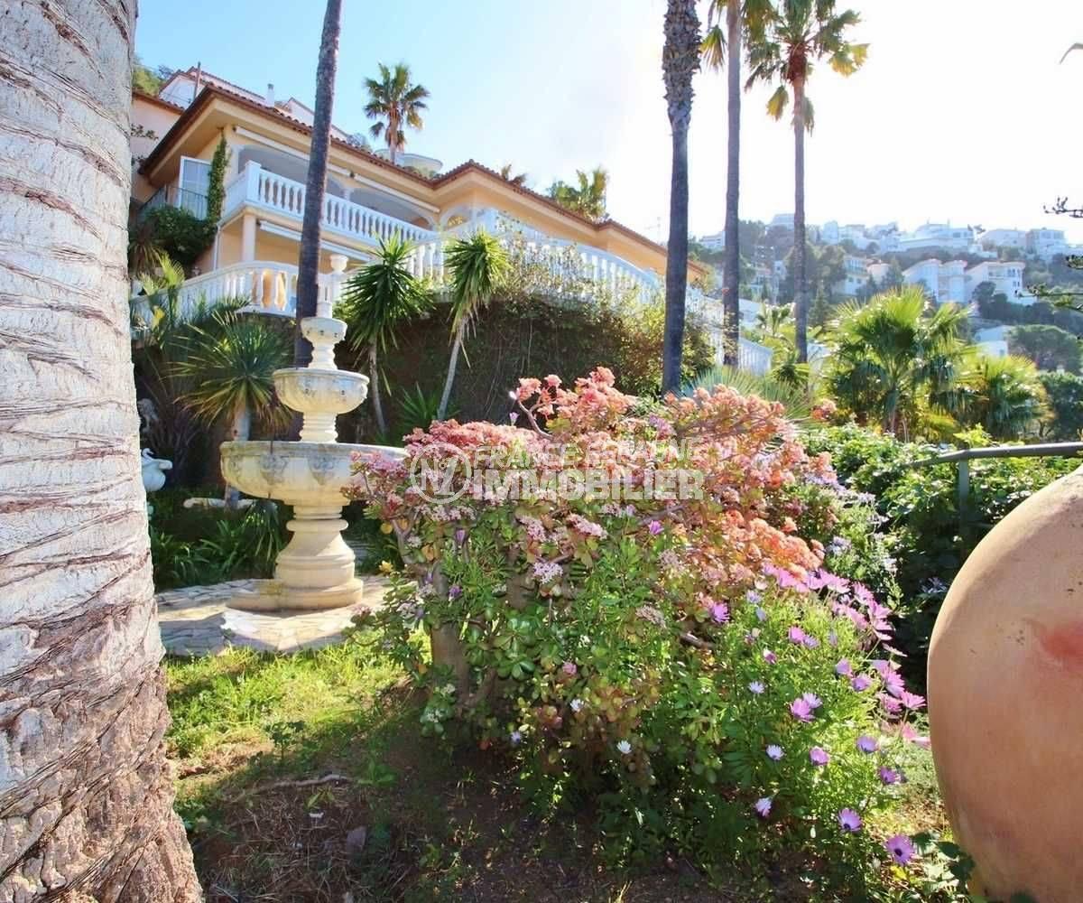 maison a vendre rosas, ref.3614, vue en perspective du jardin vers le sommet de Puig Rom