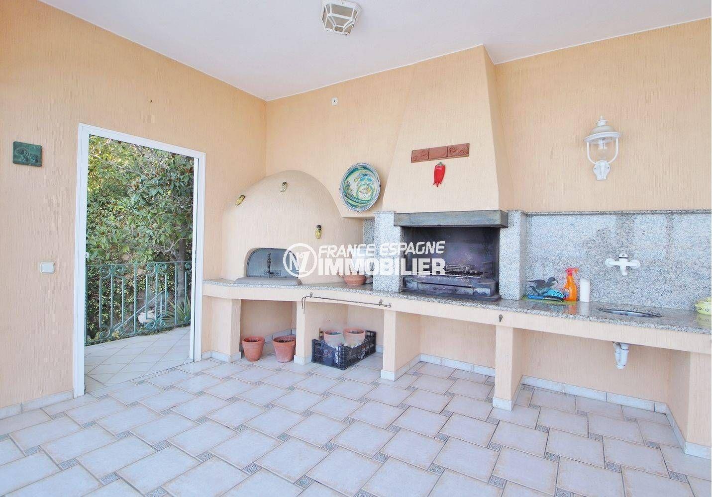 agence immobiliere costa barva: villa ref.3614, barbecue, four à pizza, cuisine d'été