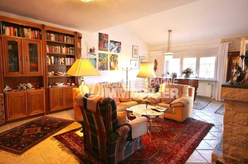 maison a vendre a rosas, ref.3616, salon / salle à manger avec des rangements