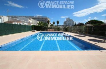 vente immobilier rosas espagne: villa 84 m², aperçu de la piscine communautaire
