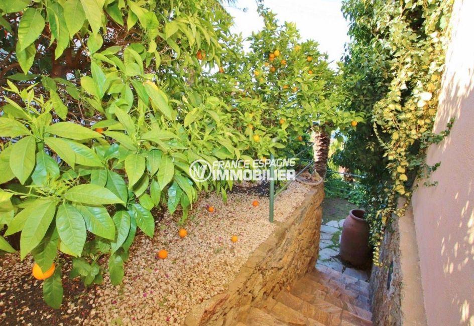 roses espagne: villa ref.3614, escalier extérieur pour passer de la terrasse au jardin