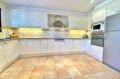 achat maison sur la costa brava, 187 m² avec superbe cuisine moderne aménagée et équipée
