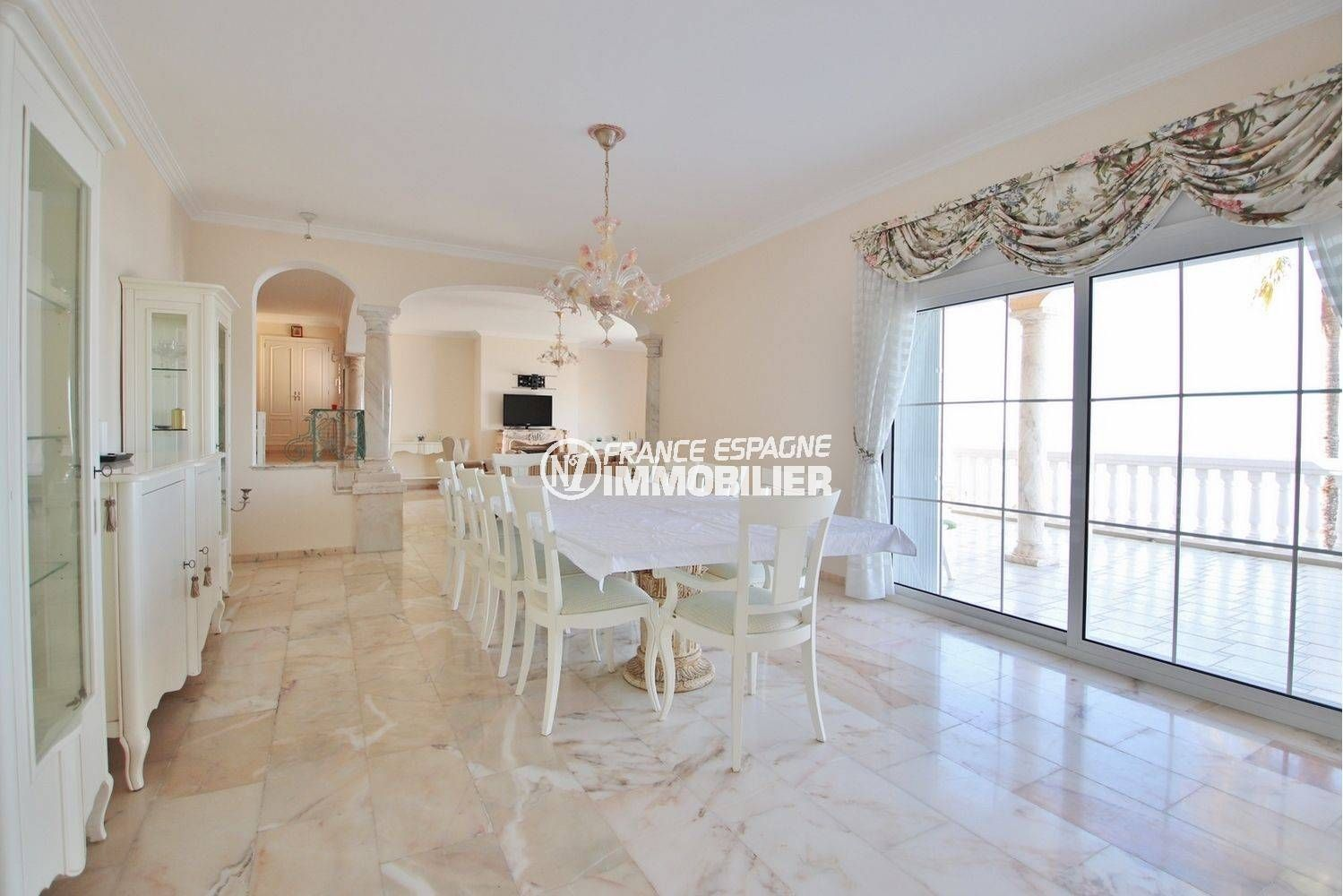 vente maison rosas espagne, ref.3614, salle à manger avec accès au salon et terrasse
