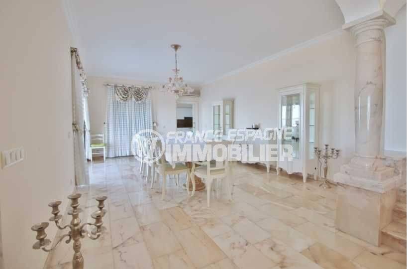 maison a vendre espagne, ref.3614, aperçu de la salle à manger très lumineuse