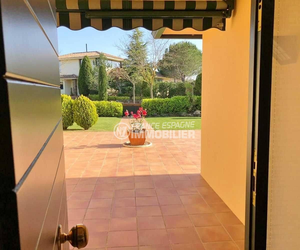 maison a vendre en espagne pres de la frontiere francaise, ref.3621, vue sur le portail
