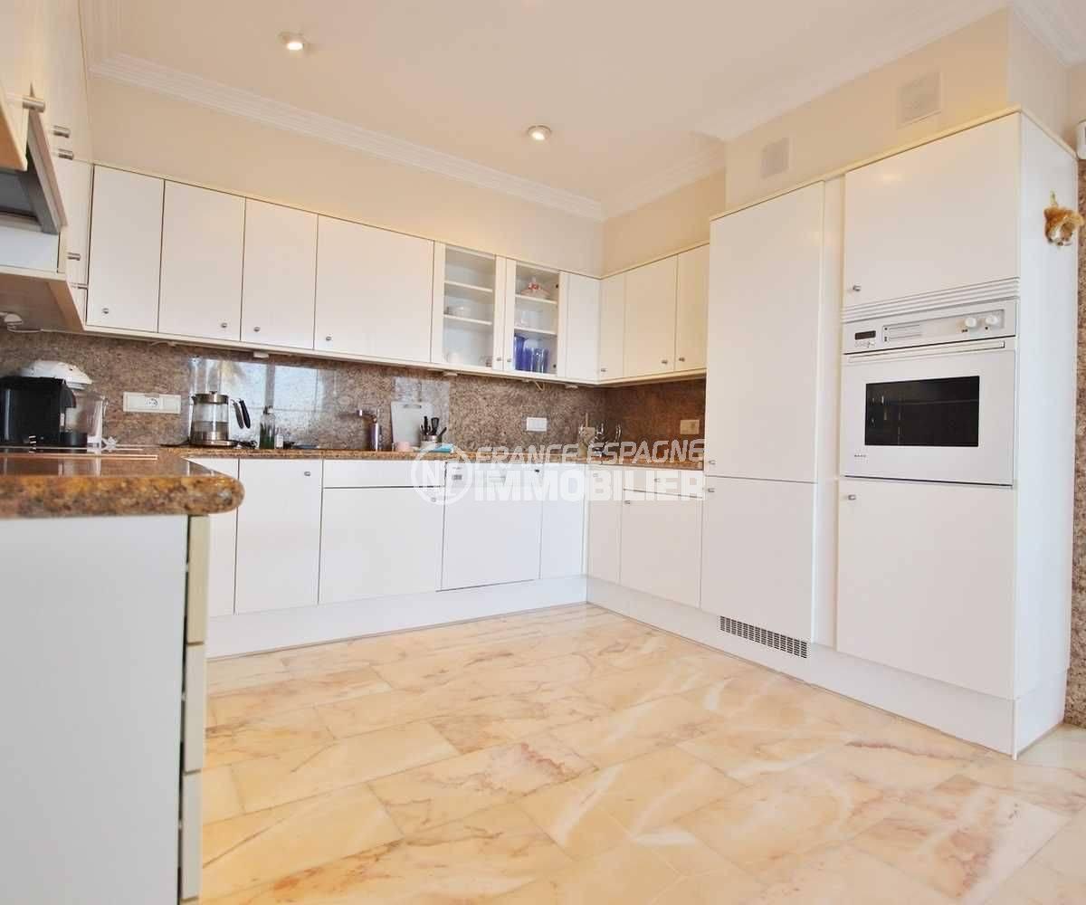maison a vendre espagne costa brava, ref.3614, cuisine indépendante aménagée