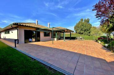 achat maison costa brava, 187 m², terrain 840 m², garage double pour 4 véhicules