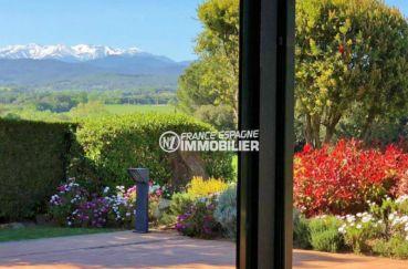 costa brava immobilier: villa ref.3621, vue sur les montagnes enneigées depuis le salon