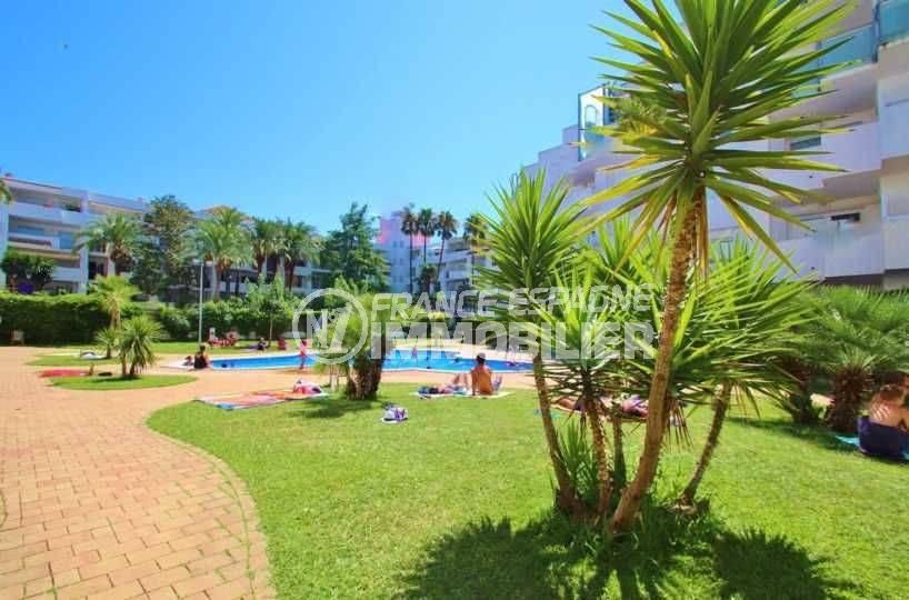 appartement costa brava, ref.3606, dans résidence avec pisicne et jardin paysagé
