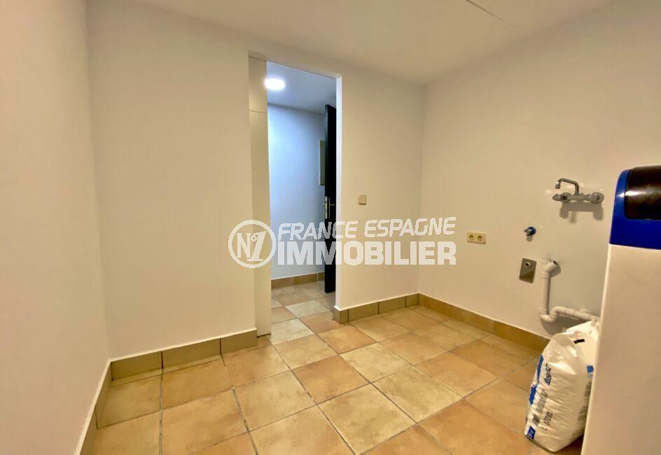 immobilier espagne: villa 187 m², lingerie avec branchement lave-linge