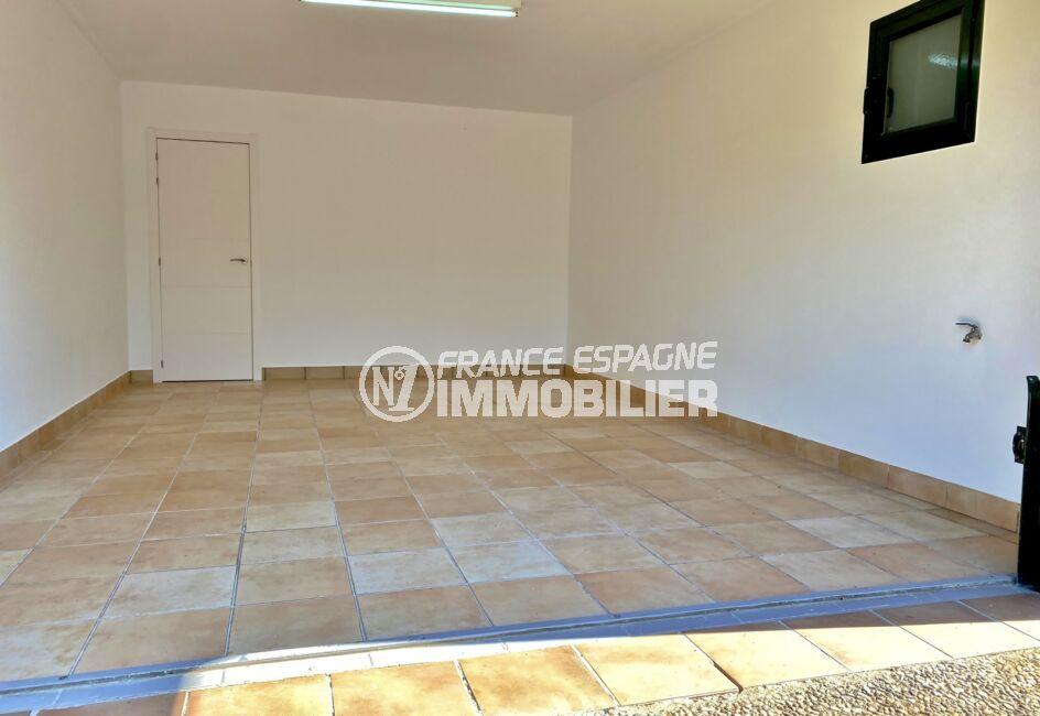 la costa brava: villa 187 m², double garage pour emplacement 2 voitures