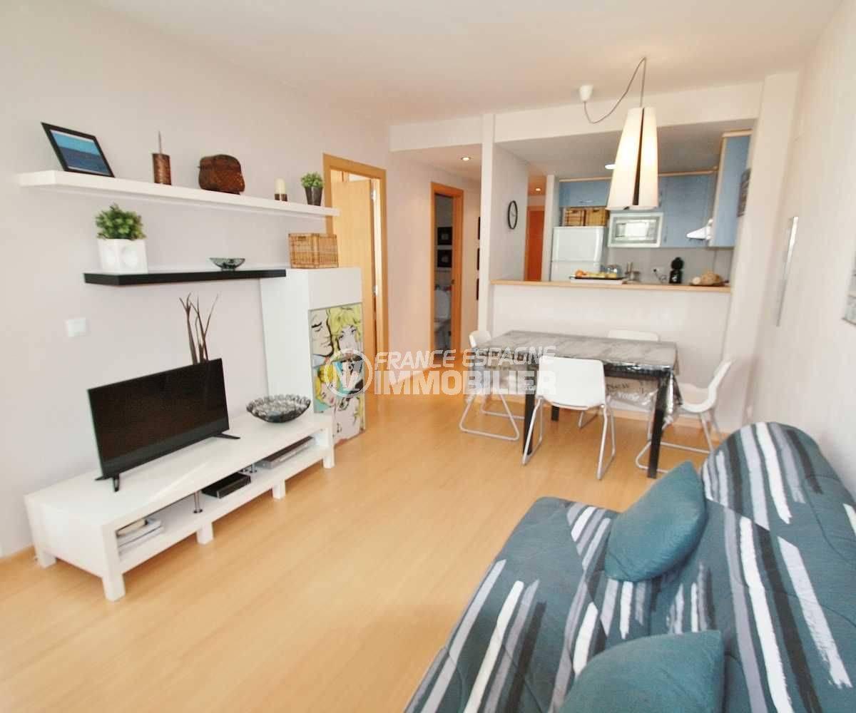 agence immobiliere santa margarita espagne: appartement moderne ref.3606, vue salon / salle à manger