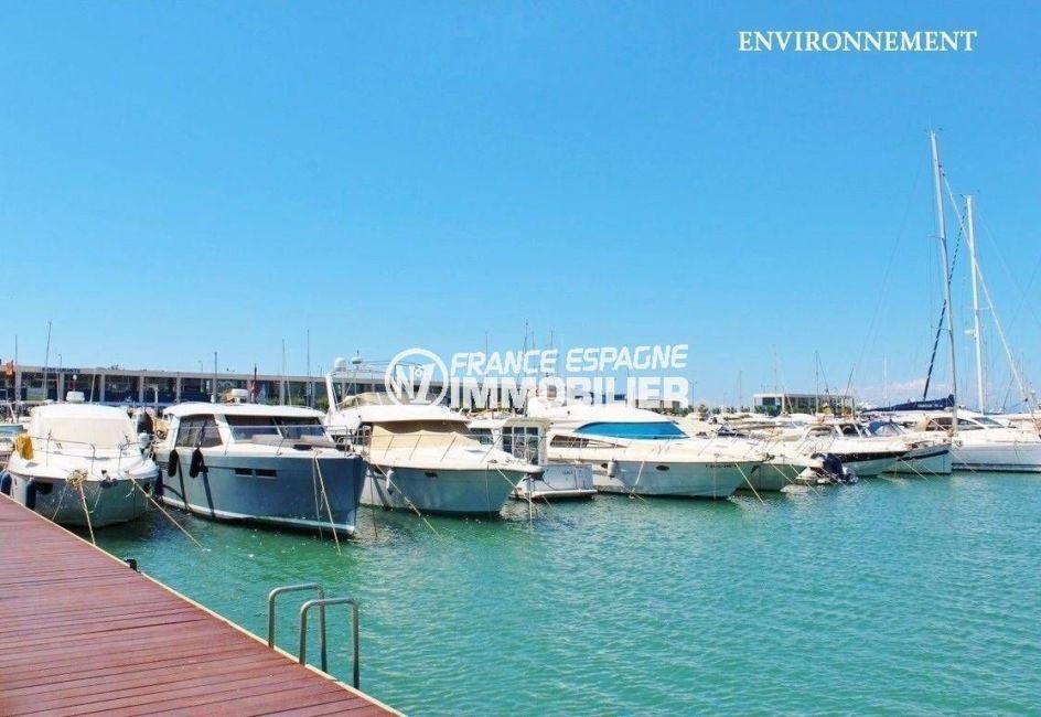 la costa brava: villa ref.3616, aperçu du port de plaisance de roses à proximité