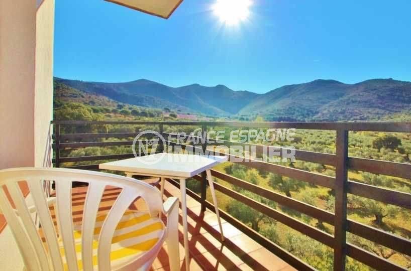 immobilier rosas, appartement à vendre pas cher, vue montagne de la terrasse