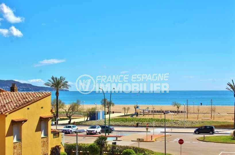 agence immobiliere empuriabrava vend appartement vue mer proche, plage