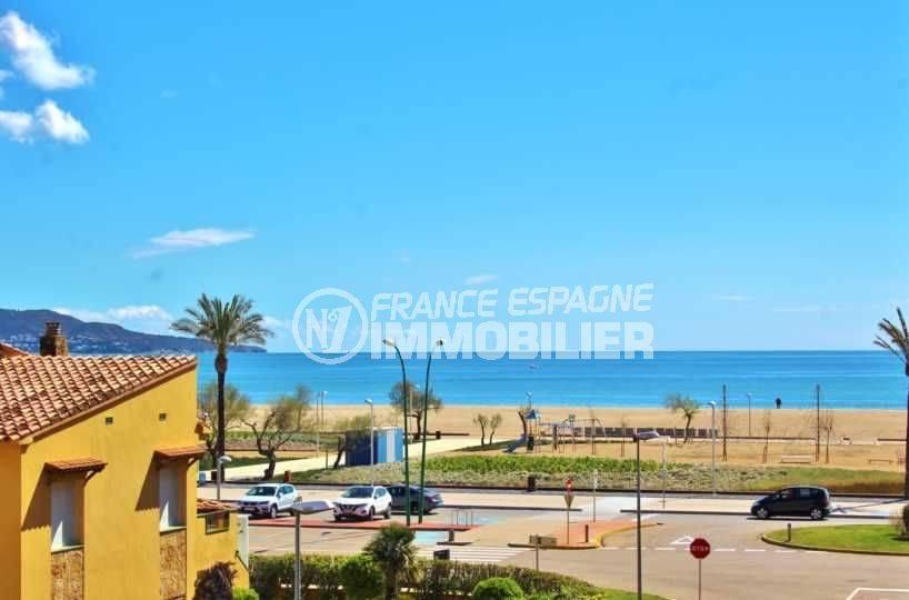 agence immobiliere empuriabrava vend appartement vue mer proche, plage