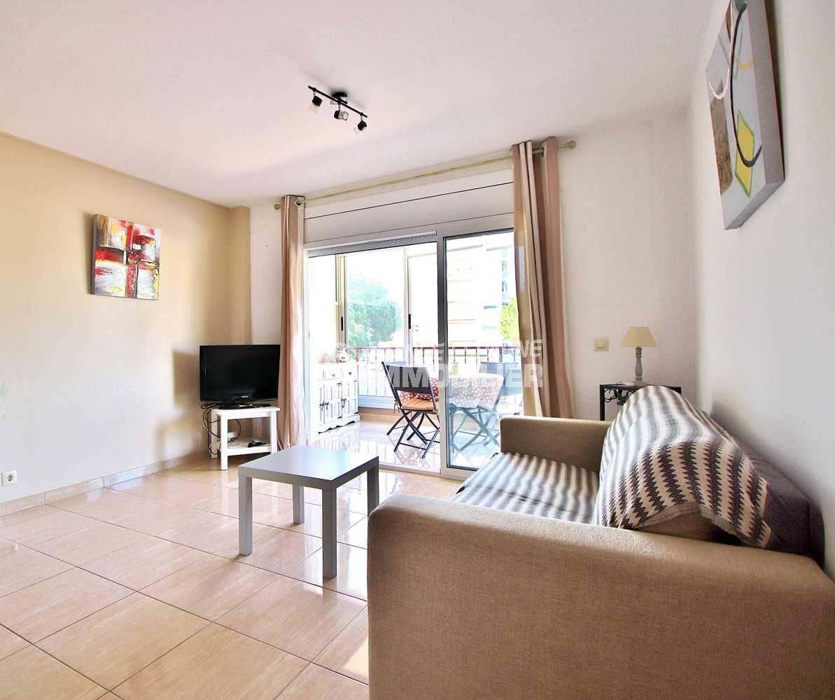 immobilier costa brava: appartement ref.3644, pièce principale, accès véranda