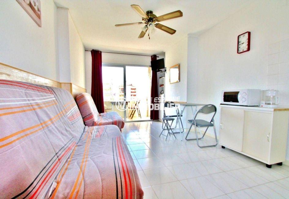 immobilier ampuriabrava: studio ref.3639, pièce principale avec coin repas accès terrasse